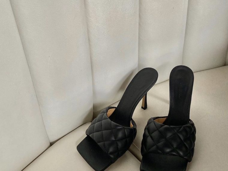 THESE ARE SUMMER'S TRENDY SANDAL STYLES ACCORDING TO BOTTEGA VENETA